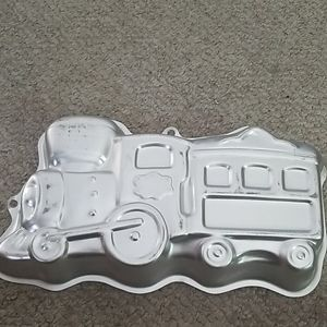 Wilton 2003 Train Engine Cake Mold